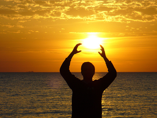 THE SUN LIGHTAND ITS USE IN REIKI TO MAKE AURA HEALTHIER